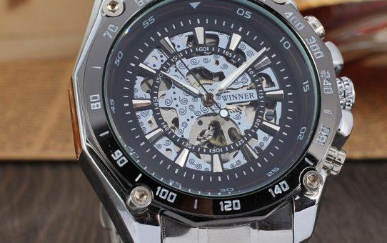 Ce ceasuri automatice purtăm în 2019?